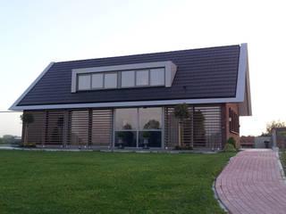 Woning Harmelen:  Huizen door Architectenbureau van den Hoeven b.v., Modern
