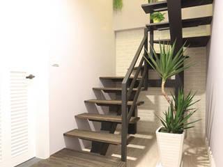 Country style corridor, hallway& stairs by 微自然室內裝修設計有限公司 Country