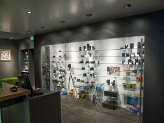Winkel Foto Kuipers Apeldoorn:  Winkelruimten door Klaaysen design B.V.