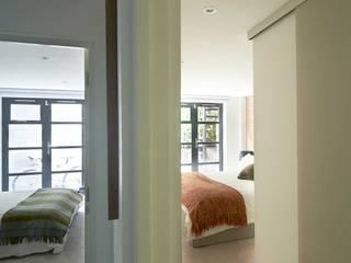 Dormitorios de estilo moderno de ESTHERRICO Design & Businness Moderno