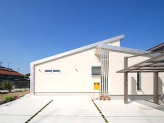 Moderne Häuser von Ju Design 建築設計室 Modern Metall