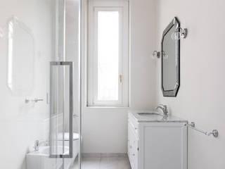 Classic style bathroom by NOMADE ARCHITETTURA E INTERIOR DESIGN Classic
