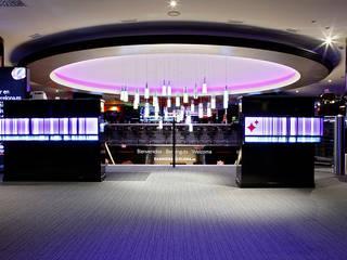 Casino de Barcelona : Espacios comerciales de estilo  de Alex March Studio