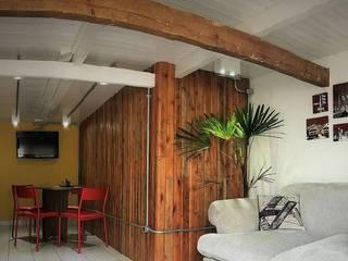 SEDE PROJETE-SE Edifícios comerciais rústicos por Rafaella Vessoni - Projete-se Arquitetura e Interiores Rústico