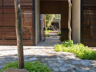 Rumah Modern Oleh FGO Arquitectura Modern