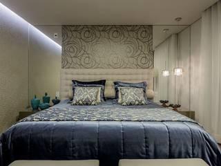 JANAINA NAVES - Design & Arquitetura Kamar Tidur Gaya Eklektik MDF Blue