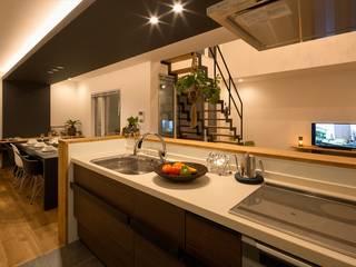 キッチン: LITTLE NEST WORKSが手掛けたキッチンです。