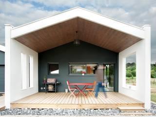 Modern style balcony, porch & terrace by Plus Architectes Modern