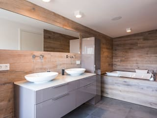 Modern bathroom by KitzlingerHaus GmbH & Co. KG Modern