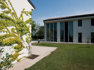 LOGHINO SANTA MARIA MINORE Case moderne di studio di architettura DISEGNO Moderno