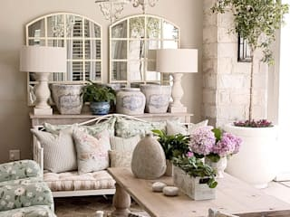 Outdoor living area:  Patios by Peter Thomas Interiors