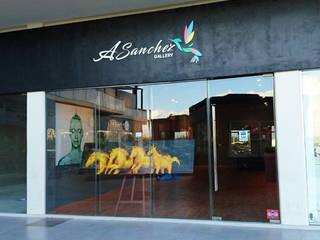 A. SANCHEZ GALLERY: Centros de exhibiciones de estilo  por JCP INTERIOR DESIGN