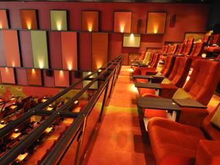 Bioscoop Veldhoven:  Evenementenlocaties door Bobarchitectuur, Modern