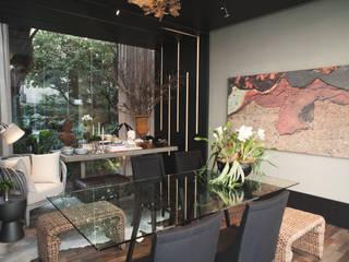 Vitrine Artefacto Curitiba   Fevereiro 2017:   por Michele Krauspenhar Arquitetura,Moderno