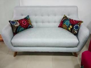 sofa escandinavo:  de estilo  por AMOBLARTE MUEBLES Y DISEÑO INTERIOR,