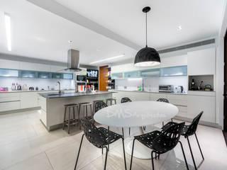 COCINA Cocinas de estilo moderno de DMS Arquitectas Moderno