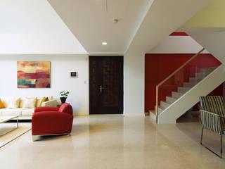 Art Loft-藝術典藏別墅 現代風玄關、走廊與階梯 根據 果仁室內裝修設計有限公司 現代風