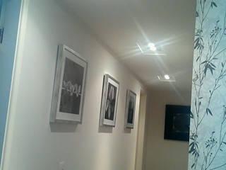 モダンスタイルの 玄関&廊下&階段 の Patricia Armellei Arquitetura モダン