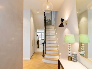 Brook Green London townhouse Corredores, halls e escadas escandinavos por My-Studio Ltd Escandinavo