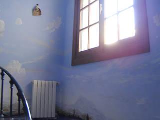 """""""Escalera al cielo"""" Paredes y suelos de estilo clásico de Jorge Fin. Murals Clásico"""