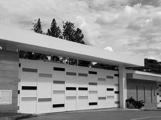 RECICLAJE ARQUITECTONICO CASA CIUDAD JARDIN: Casas de estilo  por ION arquitectura SAS