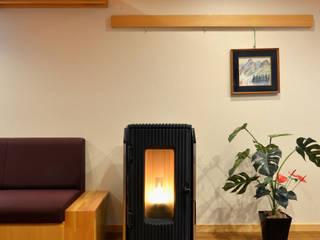 高木邸修景計画: 片倉隆幸建築研究室が手掛けた勉強部屋/オフィスです。