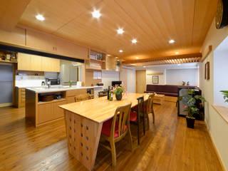 リビング: 片倉隆幸建築研究室が手掛けたです。