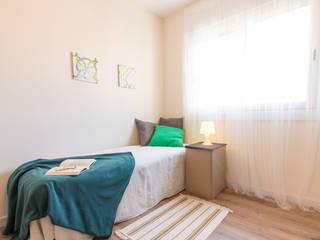 Home Staging en dormitorio con colchonetas inflables homify DormitoriosCamas y cabeceras