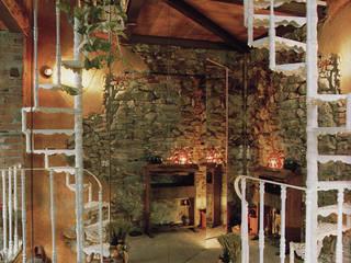 Casa in borgo antico: Ingresso & Corridoio in stile  di Studio Ad.G.G., Rustico