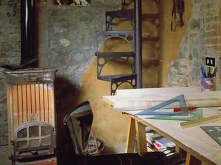 Casa in borgo antico: Studio in stile  di Studio Ad.G.G., Rustico