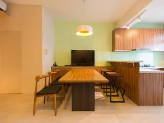 Minimalist dining room by 果仁室內裝修設計有限公司 Minimalist