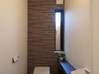 庵川の家: ai建築アトリエが手掛けた浴室です。