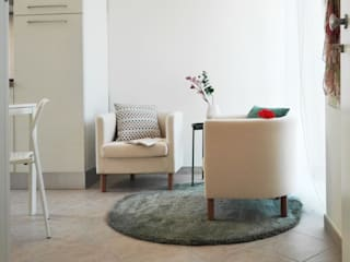 Living room by Sonia Santirocco architetto e home stager, Modern