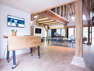 Koetshuis kantoor en vergaderlocatie P2 Rossum:  Kantoorgebouwen door INinterieurs