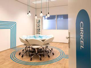 """creatieve vergaderruimte """"cirkel"""":  Kantoor- & winkelruimten door INinterieurs"""