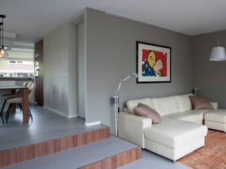 Interieurontwerp woning:  Woonkamer door Joolsdesign, Modern