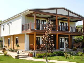 Casa Campestre Neuza:  de estilo  por Martha Poveda