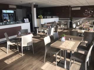 rinnovo locale: Bar & Club in stile  di gabriella chillon architetto