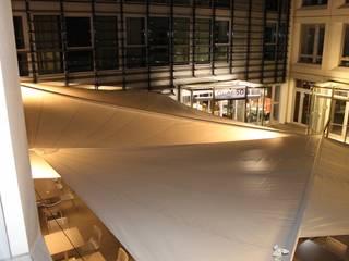 Balcones y terrazas modernos de Artesun Gbr Moderno