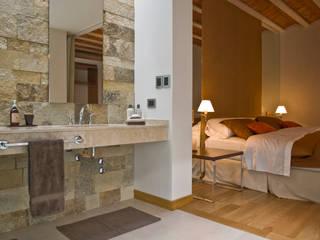 CASA EN PALERMO: Baños de estilo  por Arquitecta MORIELLO