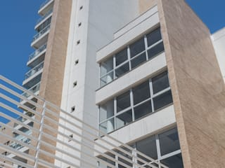 Rumah Modern Oleh ILHA ARQUITETURA Modern
