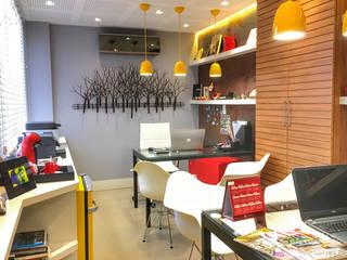 Escritório Boutique Espaços comerciais modernos por Oliveira Arquitetura Moderno
