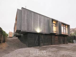 por MACIZO, ARQUITECTURA EN MADERA Moderno