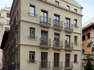 POUET, rehabilitación integral en el Centro de Valencia juan marco arquitectos Casas de estilo moderno