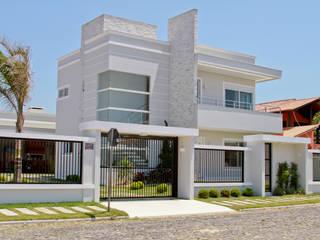 Rumah oleh Arquiteta Luana Turatti, Modern