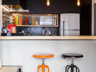 Loft São Paulo: Cozinhas  por Tripper Arquitetura,Moderno