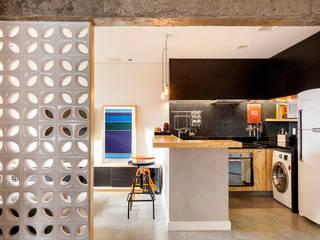 Loft São Paulo: Salas de estar  por Tripper Arquitetura,Moderno