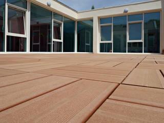 Terrasses en bois composite Sylneo Hôtels modernes Bois composite