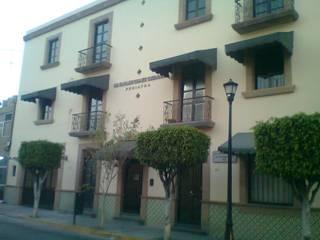 Casas de estilo  de Arq. Beatriz Gómez G.