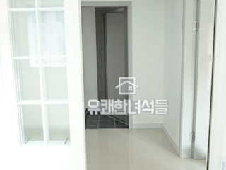 Modern Walls and Floors by 유쾌한녀석들 Modern